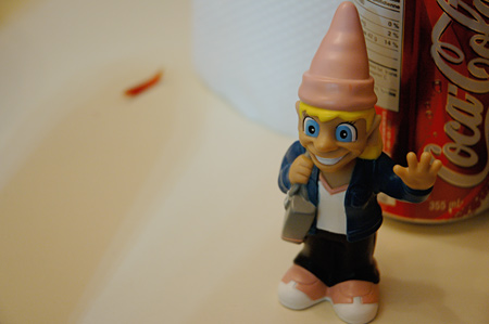 0449-creepy_gnome.jpg