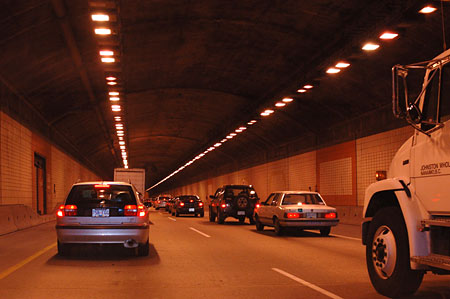 0485-tunnel_traffic.jpg