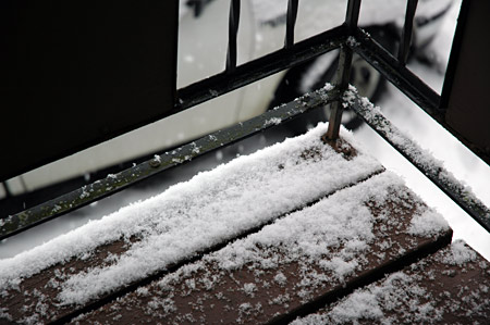 balcony_snow.jpg