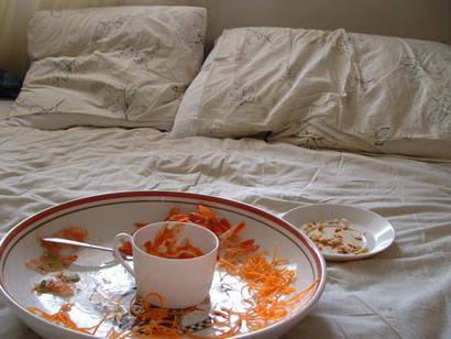 mmm, sushi breakfast in bed!
